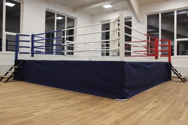Hochring/Podestring, außen ca. 7,50 x 7,50 m